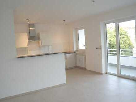 Sehr helle, ruhige, modernisierte 2-Zimmer-Wohnung mit großem Balkon & EBK im Herzen von Lindenthal