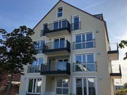 Erstbezug: attraktive 4-Zimmer-Wohnung mit Terasse, Garten, zwei Bäder in Regensburg Schwabelweis