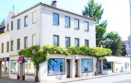 Zwei Ladeneinheiten zur Miete in Wohn-/Gewerbeimmobilie im Herzen Altöttings