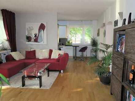 Stilvolle 4,5-Zimmer-Wohnung mit Balkon und EBK in Weiden, Köln, provisionsfrei