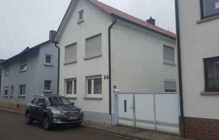 Einfamilienhaus mit Zentraler Lage in Waghäusel Kirrlach, (Kreis) Karlsruhe