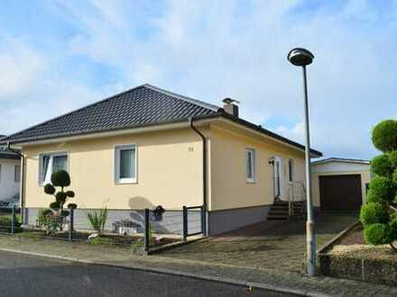 Freistehendes Einfamilienhaus (Bien-Fertighaus) in schönster Feldrandlage von Herxheim