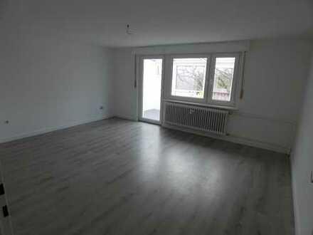 *Erstbezug nach Renovierung* Traumhafte DG-Wohnung in ruhiger Lage von Eppenhain