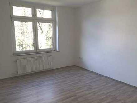 Lichtdurchflutete und komplett sanierte 2-ZKB-Wohnung zum Kauf in Hagen