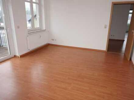 Viel Platz zum Wohnen - im Hinterhaus gelegen - Bad + Fenster !!!
