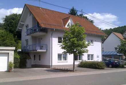 Top Wohnung im Grünen mit Balkon u. Terrasse