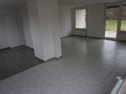 3,5 - 4,5 Zimmer Wohnung mit Terrasse und Garten
