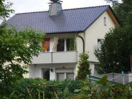 * Erdgeschoß Wohnung - Innenstadt Bünde mit Terrasse Garten- Luisenstraße 4 - Erdgeschoss PKW v Haus