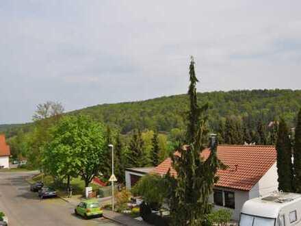 *Schönes wohnen in einem ruhigen Wohngebiet* mit Balkon & TG-Stellplatz