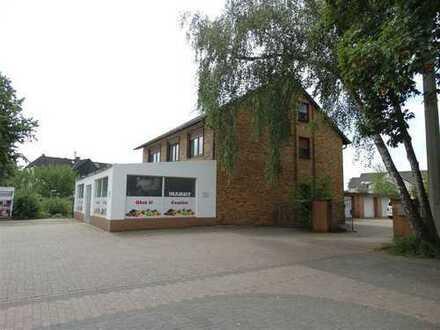 Freistehendes Wohn- und Geschäftshaus! Ideal zum Wohnen und Arbeiten unter einem Dach!