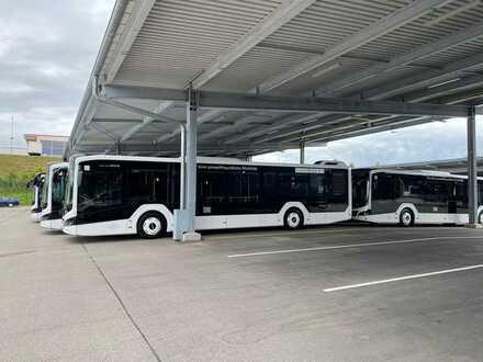 Gewerbegrundstück bebaut mit modernem Busbetriebshof
