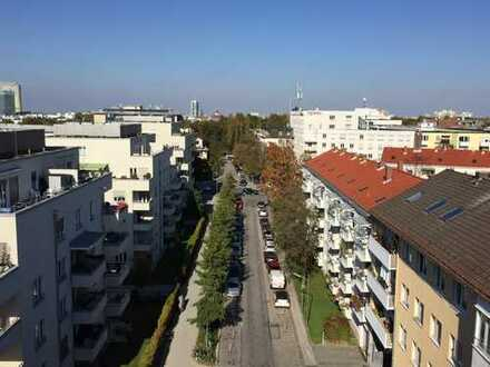 Tolle 3 Zimmerwohnung - Roof-Top-Pool - 2 Balkone