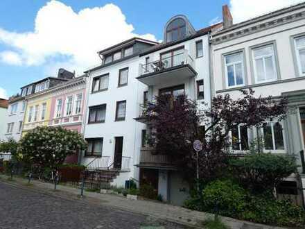 Vermietete Wohnung über Drei Ebenen in begehrter Lage im Viertel