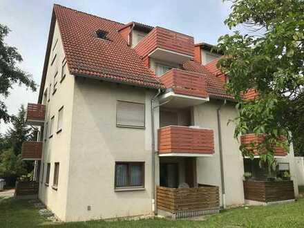 Schöne 2 RWE im 1. OG mit Balkon und Stellpl. in ruhiger Wohnsiedlung, Ausblick ins Grüne (Feld)