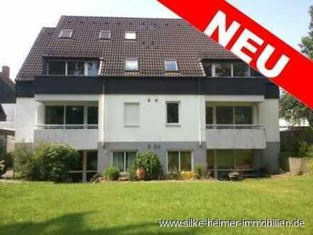 !! Sonnige Etagenwohnung mit Balkon im ruhigen Mehrfamilienhaus !!