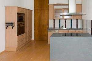 ruhige 3 Zi.-Whg mit großer Küche und Gartenanteil am Falkenegg