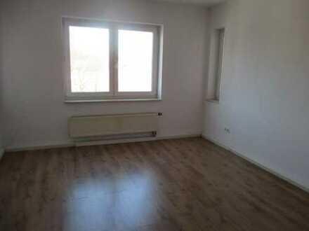 Attraktive kleine 1-Zimmer-Single-Wohnung mit Dusche in Plauen (Haselbrunn)