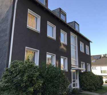 Modernisierte 2,5-Zimmer-EG-Wohnung mit Balkon und Einbauküche in Essen