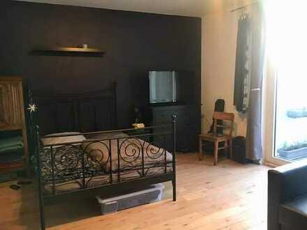 Gepflegte 2-Zimmer-Wohnung mit Balkon und EBK in Riehl, Köln
