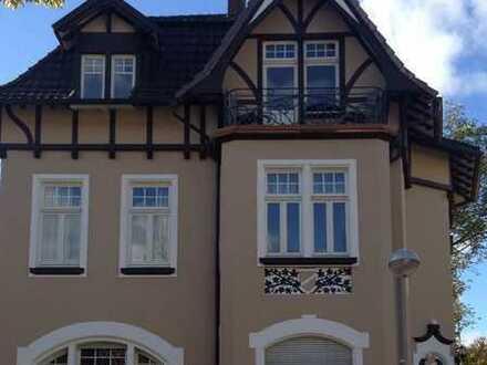 Großzügige komplett sanierte Altbauwohnung zentral in Rhöndorf mit großem Balkon
