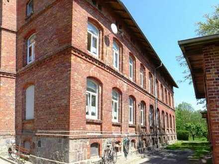 ☆ ☆ ☆ ☆ ☆ Großzügige Wohnung mit 4 Zimmern in Woldegk mieten, Stellplatz im Carport, Kamin ☆ ☆ ☆ ☆ ☆