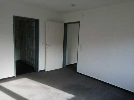 Neu renovierte 2 Zimmer Einliegerwohnung zu vermieten