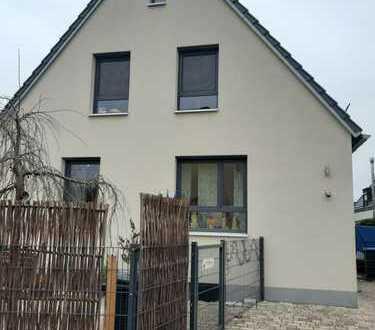 Schönes, geräumiges Haus mit fünf Zimmern in Forchheim (Kreis), Forchheim