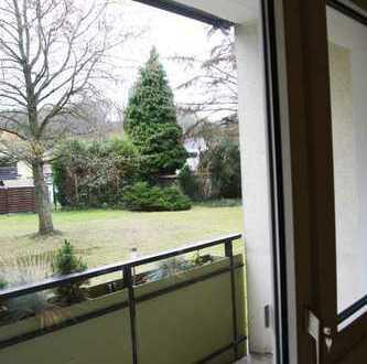 Gemütliche 2-Zimmer-Hochparterre-Wohnung mit Balkon und Blick ins Grüne