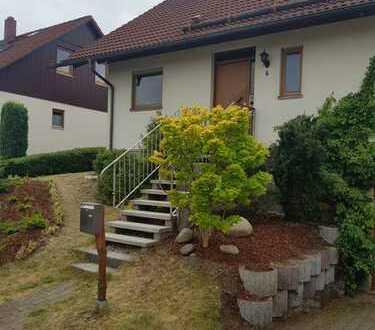 Einfamilienhaus in sonniger und ruhiger Toplage von privat zu vermieten. Späterer Kauf möglich.