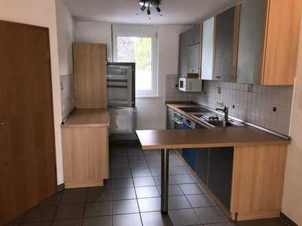 KL - Erfenbach, Reihenmittelhaus mit ca. 126qm, Stellplatz, EBK, Garten, Gäste WC