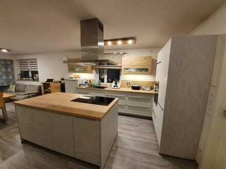Stilvolle und neuwertige 3-Zimmer EG-Wohnung mit Garten und 2 Terrassen in Neuburg a. d. Donau