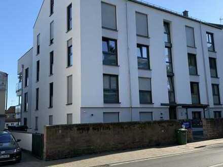 Helle Penthouse Wohnung ,mit Maisonette 5 Zimmern und Balkon in Gelnhausen (Mitte)
