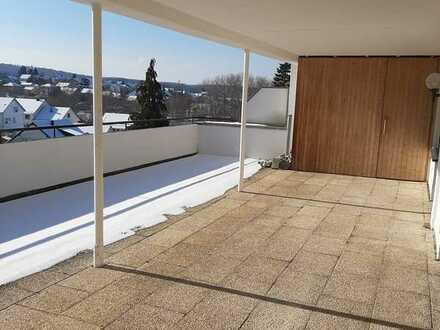 Helle große Wohnung mit großer Terrasse und wunderschöner Aussicht!