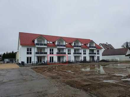 Exklusive 2-Zimmer-EG-Wohnung mit teilüberdachter Terrasse, Garten und EBK in Top-Lage!