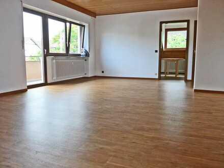 6172 - Großzügige, gemütliche 2-Zimmerwohnung mit Balkon in Zweifamilienhaus!
