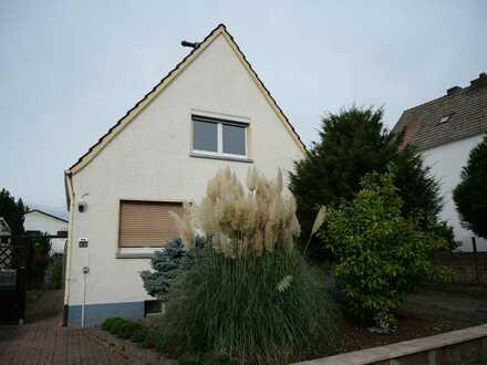 Freistehendes EFH (Zeitmietvertrag) mit Garage & Gartenanteil (ideal für Pendler/StudentenWG´s)