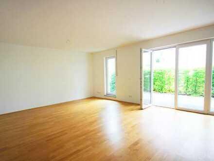 Große, moderne 4 Zimmer-Terrassenwohnung mit Souterrain Zimmer, mit Parkett TG Platz