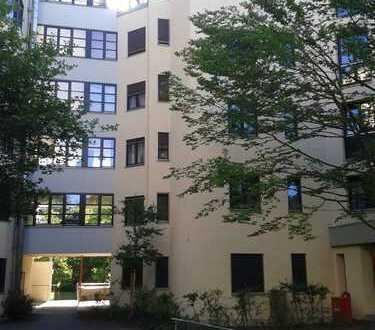 Ruhige, gepflegte 3-Zimmer-Wohnung mit Balkon und EBK in Zorneding