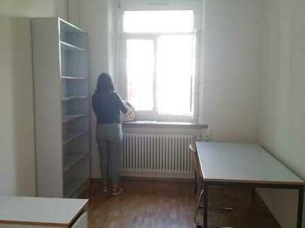 möbiliertes Zimmer in ruhiger Gegend