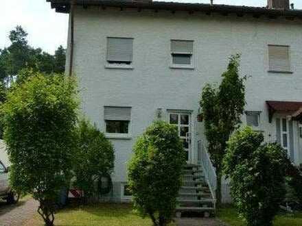 Doppelhaushälfte mit Einliegerwohnung und Garage