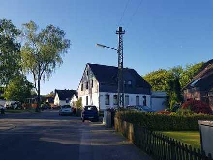 Erstbezug: Terrassenwohnung mit Waldblick (Eppendorf/Oberdahlhausen):