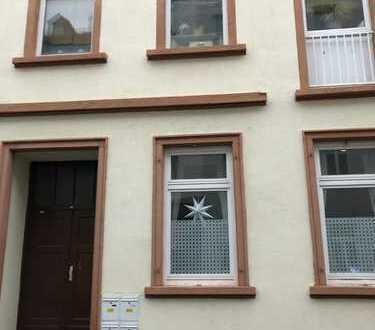 Exklusive, sanierte 3-Zimmer-Wohnung mit Balkon und Einbauküche in Wiesbaden