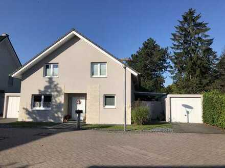 Großzügiges hochwertiges Traumhaus in begehrter verkehrsberuhigter Lage in Willich-Anrath