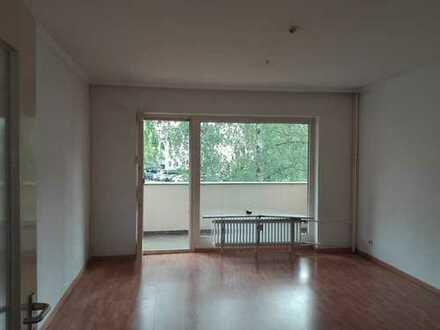 Schillerpark- Attraktive 3 Zimmerwohnung - Laminat - Balkon - 93 m² - 1.108,- € warm