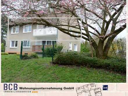 """Schöne ca. 100 m² große Wohnung mit Balkon - direkt am """"Wäldchen"""" - + Garage"""