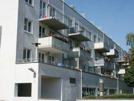 Kleine bald bezugsfreie Wohnung mit Aufzug und Stellplatz in Leipzig-Lindenau