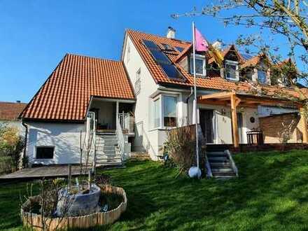 Bei Odelzhausen A8, hell.mod. DHH, 6 Zi, 2 Bäder, Freisitz, Terrasse, Garten