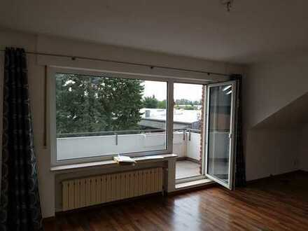 Gepflegte 3-Zimmer-Dachgeschosswohnung mit Balkon in Bad Oeynhausen