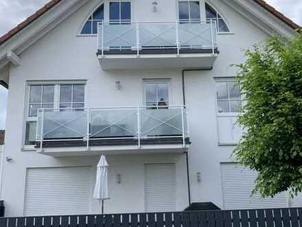 Schöne 3-Zimmer-Maisonette-Wohnung mit Einbauküche und Balkon in Perlach, München