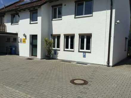 2 Büroräume mit Parkplätzen in zentraler, ruhiger Lage